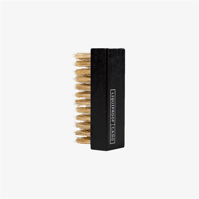 Vivobarefoot Liquiproof Premium Vegetable Fibre Brush picture 0
