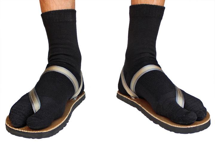 Crew Wool Tabi Socks - Black Picture 0
