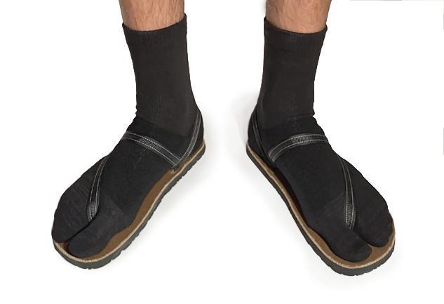 Crew Wool Tabi Socks - Black Picture 6